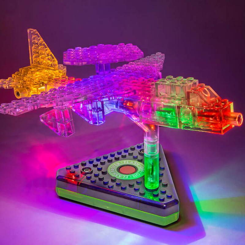 Светящийся конструктор Laser Pegs - Грузовой самолёт 12 в 1 фото