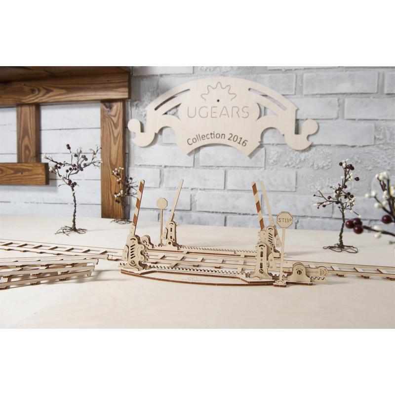 Конструктор из дерева Ugears Переезд с рельсами фото